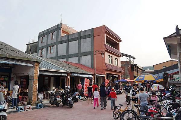 桃園景點推薦-「龍潭第一街」汶水老街(大尾鱸鰻.偷心大聖PS男拍攝場景)