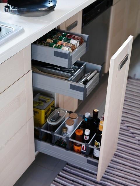 pull out kitchen cabinet washable rugs for 如何打造夢想廚房 5 廚房要如何收 續 ikea的居家生活部落格 痞客邦 在廚房中利用 高櫃 搭配 全拉式的抽屜 也是廚房收納的好方式 因為全拉式的抽屜讓即使放在深處的物品也非常好拿取 而高櫃除了擁有很大的收納空間 而可以讓你