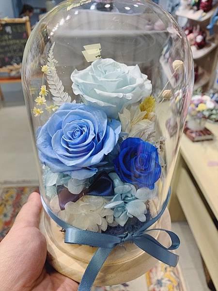 乾燥花花材台北推薦,,藍色永生花玻璃罩.JPG