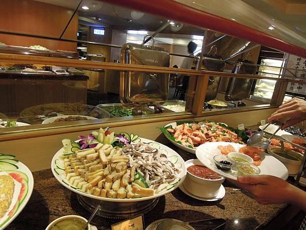 【臺北美食】臺北兄弟飯店薔薇廳 中西式吃到飽 @ 用愛打造我的家 :: 痞客邦