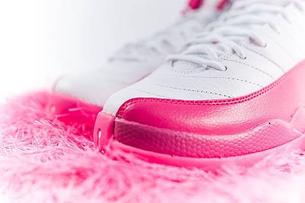 air-jordan-12-pink-white-2016-girls-2.jpg