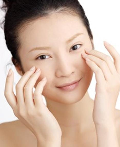 怎麼按摩消除黑眼圈 四招幫你輕鬆解決黑眼圈 - 天天健康