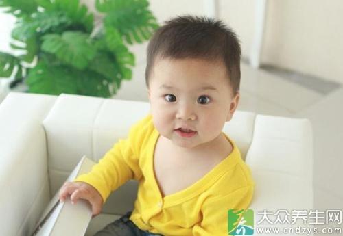 一歲三個月寶寶的正常發育標準 - 天天健康