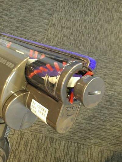 [開箱] 揪感心母親節禮物:Dyson DC35 吸塵器 clip_image013