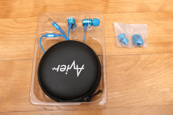 Avier 入耳式全音域耳機,音質好、易收納、價格便宜的高 CP 值選擇! avier-038_3