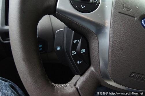 [試駕]令人驚艷的福特 Focus MK3 1.6L GHIA 34_thumb