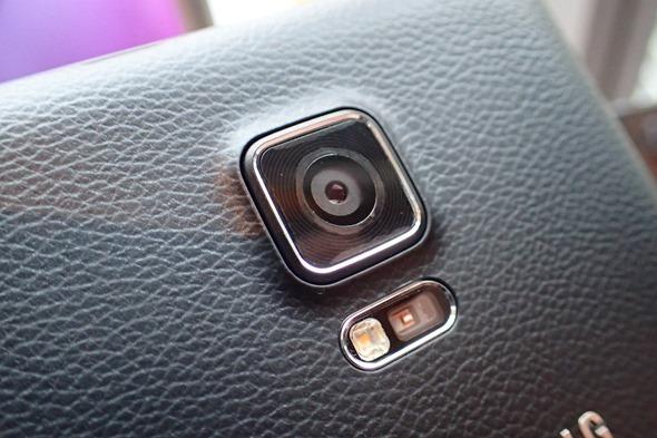 多一個螢幕很不一樣!Samsung Galaxy Note Edge 正式在台灣發表 P1280175