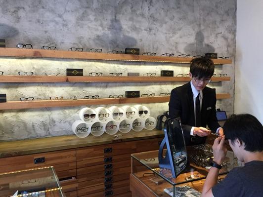 濾藍光眼鏡配鏡推薦:光明分子的眼鏡世界 MOSCOT16