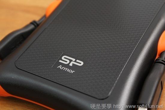 超耐摔!廣穎 Silicon Power Armor A30 2.5吋抗震行動硬碟評測 IMG_2651