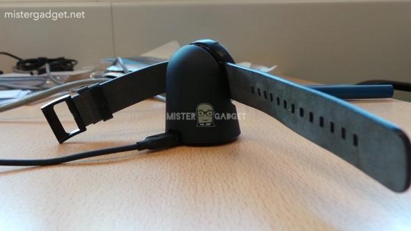 帥氣 Moto 360 智慧手錶照片大曝光,支援無線充電! clip_image003