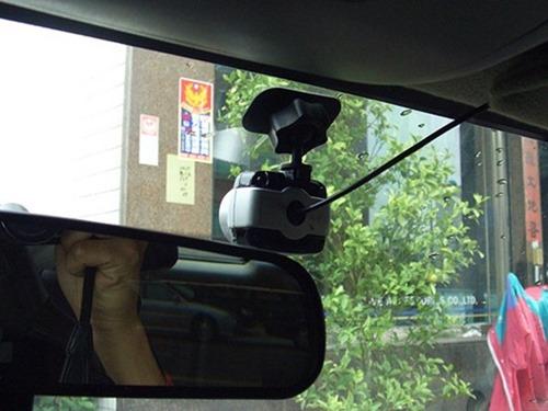短支架行車紀錄器
