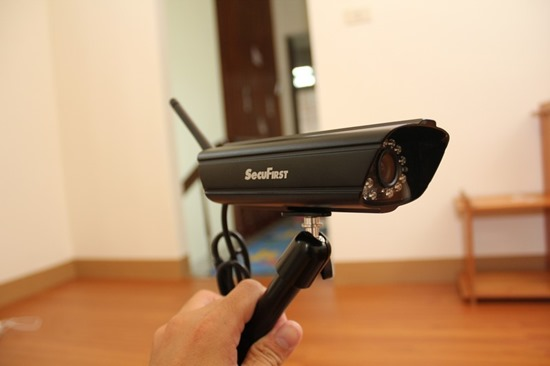 DWH-A059H數位無線網路監視器,室內外監視一套搞定 image005