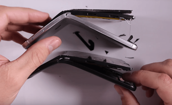 超弱!華為代工 Google Nexus 6P 竟像餅乾一折就斷 google-nexus-6p-bending-03