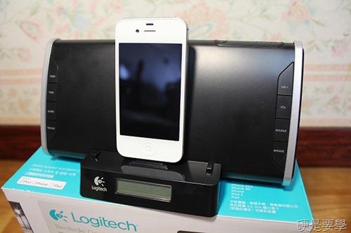 [開箱] 羅技床頭音響底座,充電、聽歌、聽廣播、設鬧鐘一次滿足(iPad/iPhone/iPod Touch) IMG_3979