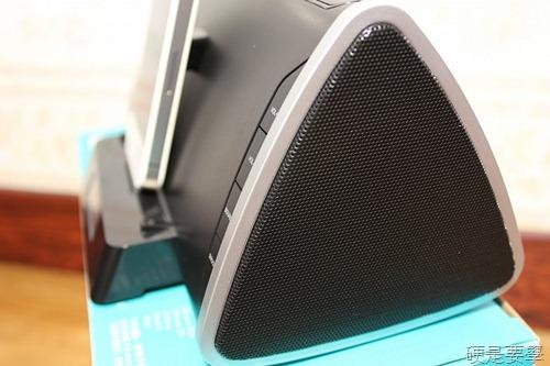 [開箱] 羅技床頭音響底座,充電、聽歌、聽廣播、設鬧鐘一次滿足(iPad/iPhone/iPod Touch) IMG_39883