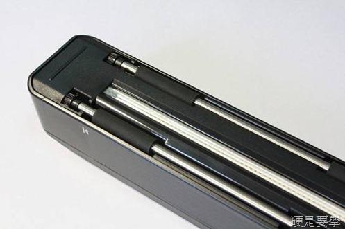 [開箱] 零邊距手持行動掃描器「行動CoCo棒2 專業版」內建LED彩色螢幕 clip_image008