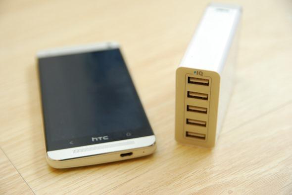 Anker USB 充電器提供 5 Port、8A (40W) 輸出,不用帶變壓器啦! DSC_0015