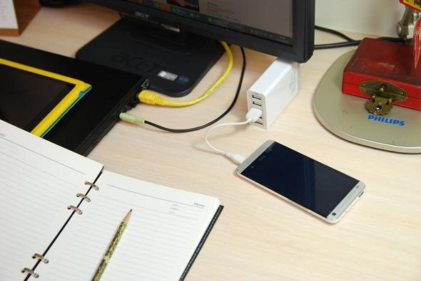 Anker USB 充電器提供 5 Port、8A (40W) 輸出,不用帶變壓器啦! DSC_0030