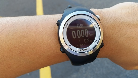 EPSON 專業級路跑教練運動錶 RUNSENSE SF-710 可連續使用 30 小時 20140826_141733
