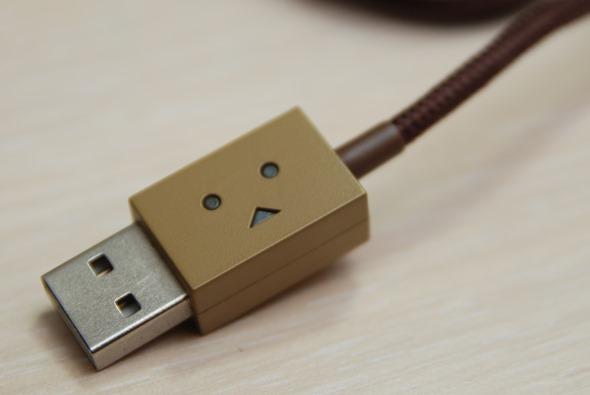 超療癒!Cheero 阿愣 micro USB 充電線,眼睛會發亮耶! DSC_0046