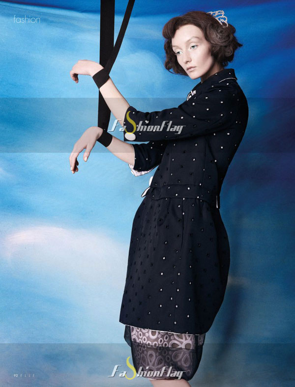 Alexa-Yudina-by-Giovanni-Squatriti-in-Louis-Vuitton-for-Elle-Dubai-April-2012-7