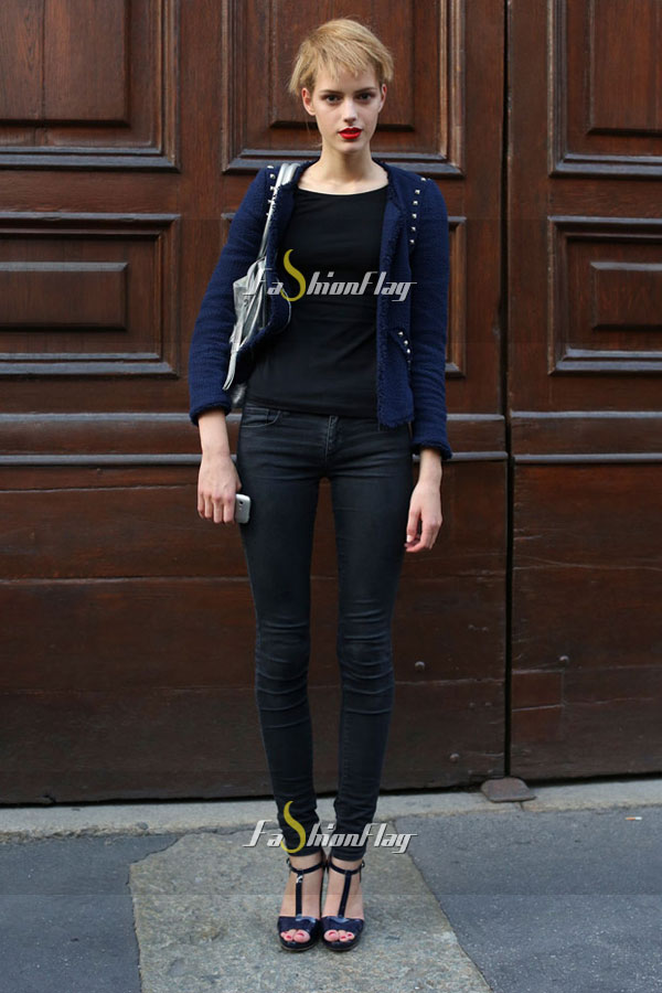 Models-after-Prada-street-style-gallery-Street-style-06