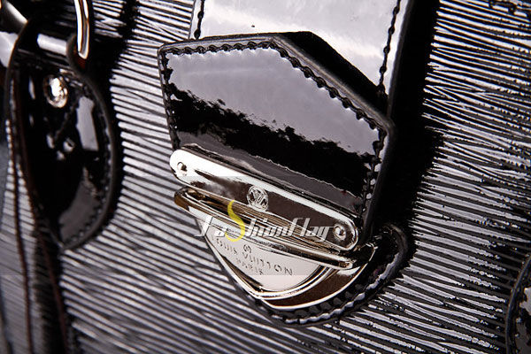 Louis-Vuitton-Epi-Leather-Pont-Neuf-GM---Glossy-Black-e