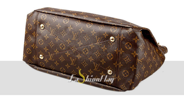 Louis-Vuitton-Monogram-Canvas-Artsy-GMg