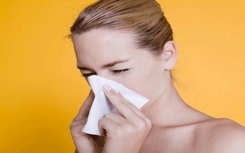 睡覺半夜鼻子痛 最近睡覺睡到半夜,鼻子干得痛是怎么回事啊