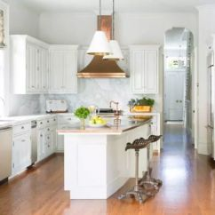Island Kitchen Hood Stick On Tile Backsplash 2019年 30款顶级厨房装修设计趋势 知乎 这个厨房的铜排气罩只是这个明亮空间所需的时尚触感 大理石后挡板 现代岛台面和现代装置使这间厨房与典型的全白厨房区别开来