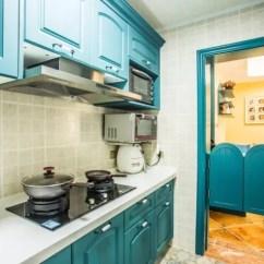 Kitchen Shades Upper Cabinets 你的厨房会用什么色系 知乎 蓝色是厨房中用的相对比较多的颜色 一方面有些风格比较适合蓝色 比如地中海风格 另一方面 厨房用火 冷色系可以心理上给予一些温度平衡感