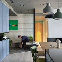 Kitchen Prep Cart Hood Cleaning 将起居室改成游乐场 玄关添加黑板墙 厨房改成开放式 再也不怕跟孩子没 对于经常搭档为家人准备每餐的夫妇二人 厨房与餐厅无疑是他们的生活重要核心 基于他们的个性 设计师采取了低调现代主义风格来诠释这个空间