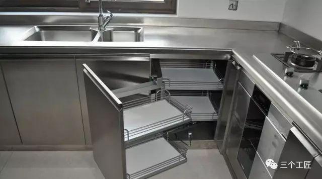 craftsman style kitchen cabinets bar stools for 橱柜台面只知道石英石 out掉渣了 知乎 三 天然肌理天然石台面优点 天然石经过风雨的磨砺 有着天生独特的美丽纹理以及坚硬无比的质地 将天然石制成台面 无疑将厨房打造成了一个坚固却不失美丽的城堡