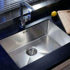 Kitchen Sink Materials Wood Play Set 厨房水槽 石材vs不锈钢vs陶瓷 知乎 一个不锈钢水槽 表面处理的工艺有镜光 可以当镜子照的 拉丝 有均匀纹理的 亚光2b板 原板材不需要加工处理的 因为其中拉丝处理运用的比较多 我也就说一下手工