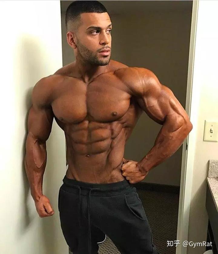 肌肉男胸肌視頻_肌肉男背部_肌肉男背面_肌肉男側面_泡泡安卓網