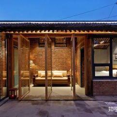 Backyard Kitchen Designs Wood 民宿改造丨北京后院 这个80后设计师 用一间红砖房惊艳了半个帝都 知乎 餐厅是南与北新与旧的连接桥梁 四扇玻璃门可以全部打开 此时餐厅前的共享室外平台就和餐厅空间共同合成一个新空间 餐厅变成了两倍大 平台的使用也渗入了室内