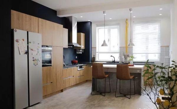 large kitchen pantry concrete floor 137平家里大厨房的极致利用 她家的改造把邻居都看傻了 知乎 她家的改造把邻居都