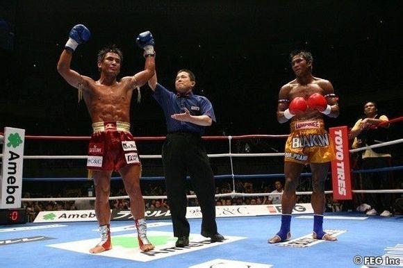 格斗選手(比如 UFC 里的冠軍)肌肉為什么看起來都很不協調啊? - 知乎