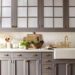 Top Kitchen Cabinets Hanging Rack 选橱柜很烦 看这篇可以终结50 的烦恼 什么样的橱柜好看又环保 知乎 做到房顶的田园风橱柜 顶部加帽檐