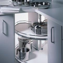 Kitchen To Go Cabinets Marietta Remodeling 怎样的厨房设计是最好的 知乎 储存锅具 馅饼盘 干燥食品等的理想选择 每次我到宜家去都会跑到厨房去 打开这个橱柜对玩伴说 我以后一定要弄个这样的 上图中的转角顶部就可以使用这种柜子
