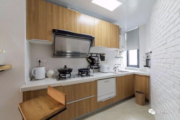 home styles kitchen cart remodeling birmingham al 装修风云 80年代ktv风格豪装辣眼睛 用20万改造成北欧风 知乎 为了更充分的利用厨房的空间 橱柜都是直接做到顶的 橡木花纹的门板跟整个屋子的风格 一致 家里的木质家具 都是橡木的 台面是人造石 好打理 还塞下了洗碗机