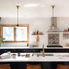 Backsplash In Kitchen Collectibles 这样设计厨房 你会爱上做饭 知乎 在装修厨房时 有许多东西需要考虑 柜台 橱柜 照明用的灯具 但很多人常常忽略了一个很重要的地方 下层后挡板 这个地方很多人不太重视 但它实际上是厨房的背景