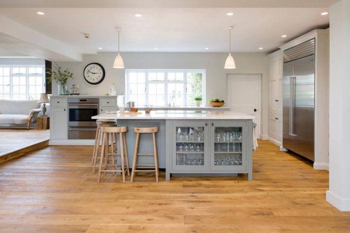kitchen planners country light fixtures 现代厨房的规划你都懂了吗 知乎 这房子的主人对设计师提出的挑战阿拉斯泰尔弗莱明设计公司的莎拉 艾农和阿利斯泰尔 弗莱明将把现代电器融入传统的乡村厨房 不锈钢饰面和慷慨的尺寸使它成为一个棘手的