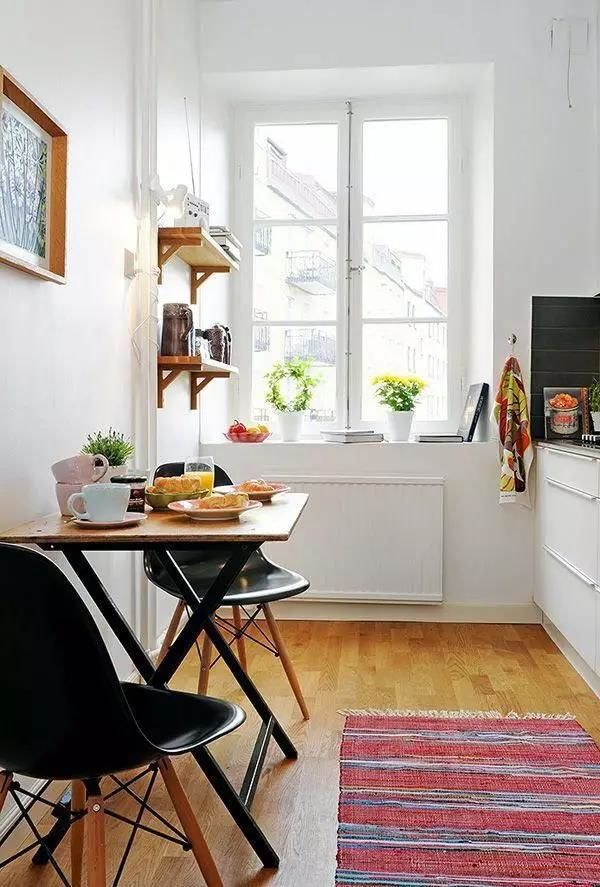kitchen tables sets filter 高品质的生活不是你家餐桌多大多贵 而是有没有一张小桌 摆在窗前 知乎 窗边的小桌子 可以看得见风景的就餐或者工作区