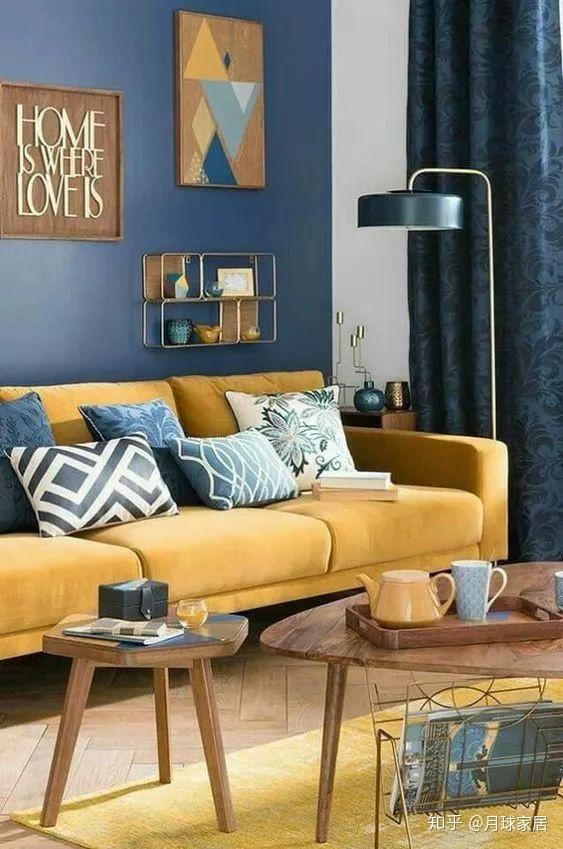 navy blue kitchen rugs aid blender 颜色也有鄙视链 这5种蓝色可比宝蓝高级多了 知乎 以客厅为例 可以像下图一样 墙面 窗帘 抱枕 花瓶都用海军蓝 沙发和地毯就用樱草黄 收敛用色 主题统一 即使东西很多也不会显得杂乱