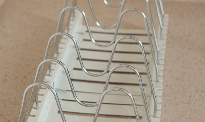 geeky kitchen gadgets luxury cabinets 厨房收纳 怎么可以让厨房看起来井井有条 知乎 小菊为大家推荐阿凡大叔的这款多功能厨房收纳架 它可以立着放餐具 调味品和挂一些小工具 也可以倒着放大一点的炒锅 煎锅 碗碟以及刀具 设计的非常巧妙