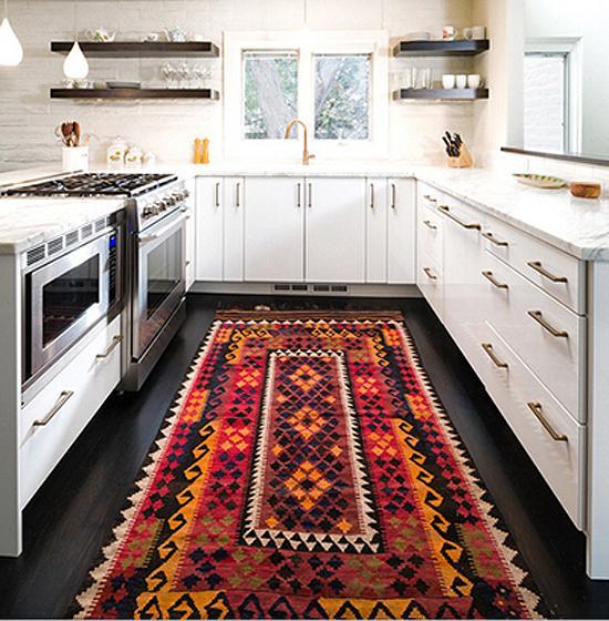 wine kitchen rugs mobile kitchens sale 软装设计时地毯的挑选及搭配技巧 知乎 如果厨房是单调的白色 即使你准备了丰富的美食盛宴 它也可能看上去黯淡无光 一款阿兹特克风格的地毯 由五颜六色的菱形组合而成的图案 让厨房生动了起来