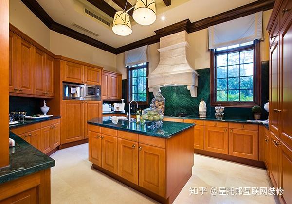 hickory kitchen island shaker 怎样的厨房设计是最好的 知乎 海岛型橱柜有更多的操作台面和储物空间 便于多人同时在厨房工作 如有需要 也可以在厨房岛安装水槽或烤箱 炉灶