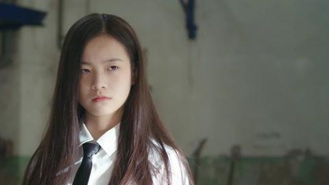 《同學兩億歲》陸宇辰被打 宣墨前來營救-片花-高清影音線上看–愛奇藝臺灣站