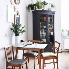 Tall Table And Chairs For Kitchen Exhaust Fans Wall Mount 高品质的生活不是你家餐桌多大多贵 而是有没有一张小桌 摆在窗前 知乎 在清晨的阳光下吃一顿丰盛的早餐 一整天的心情都会不错 高科技的材质 古典的样式打造出的幽灵椅 让人过目不忘